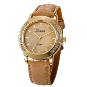 Луксозен дамски часовник с кристали - бежов