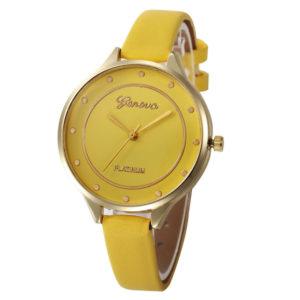 Луксозен объл дамски часовник - жълт